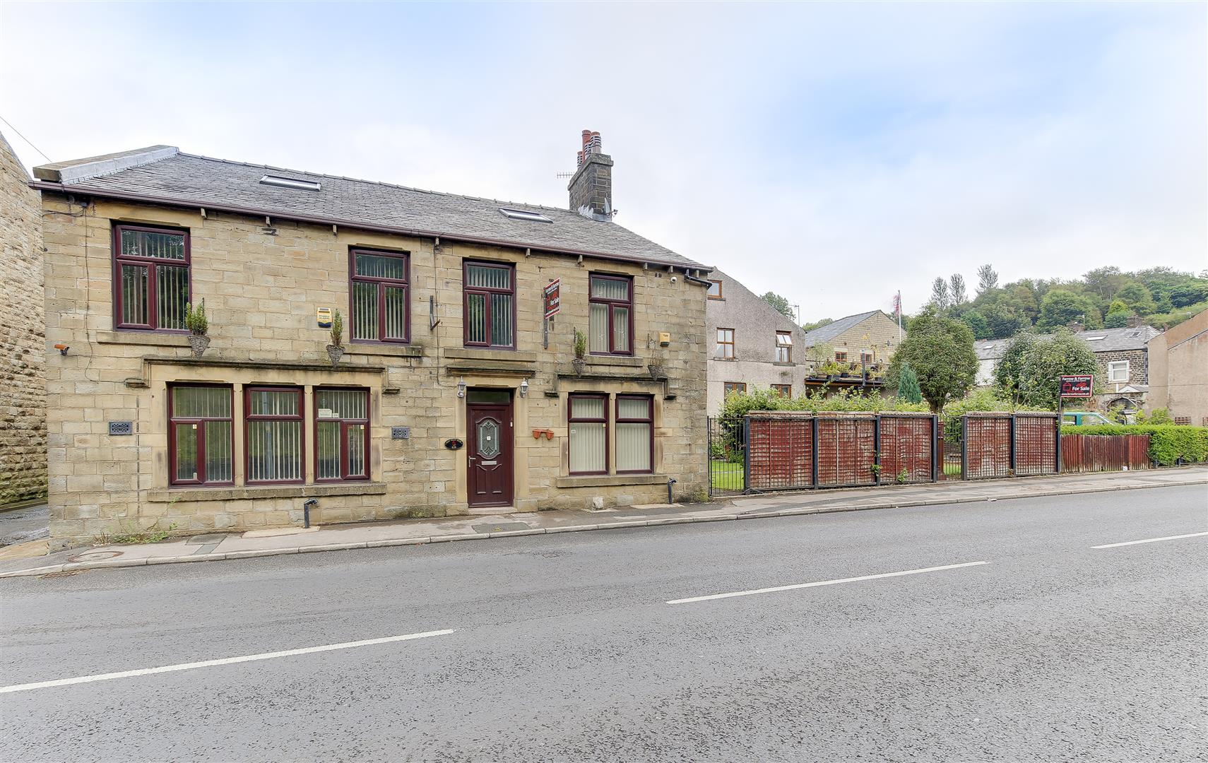 7 Bedrooms Detached House for sale in Bacup Road, Waterfoot, Rossendale